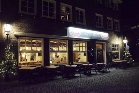 FTT Remscheid: Das Tortenatelier im König von Preußen, Markt 2 in Lennep. Während des Lenneper Weinfestes findet sich dort auch die Weinstube flair-Weltladen. Foto: offiziell