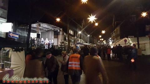 Lütterkusen: Der 40. Ideelle Weihnachtsmarkt 2016 war wieder ein großer Erfolg. Foto: Oelbermann Photographie