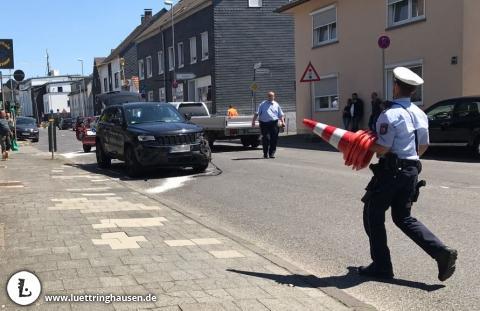 Lütterkusen: Schwerer Verkehrsunfall auf der Kreuzbergstraße. Foto: Beate Meyer