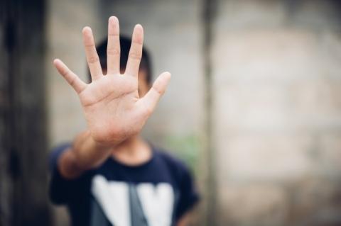 Lütterkusen: Sollte Ihnen auffallen, dass einem Kind Gewalt angetan wird, verständigen Sie das zuständige Jugendamt. Foto: Symbolfoto